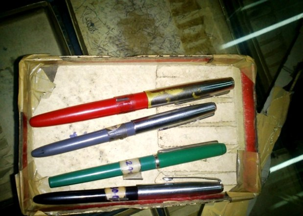Top 2 pens - Rs 30 Bottom 2 for 20 Rs each