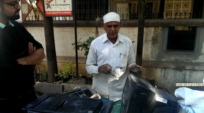 Writes in urdu. Stays near market yard. Cart items - A monitor, CPU , Keyboard - Price 2500/- only